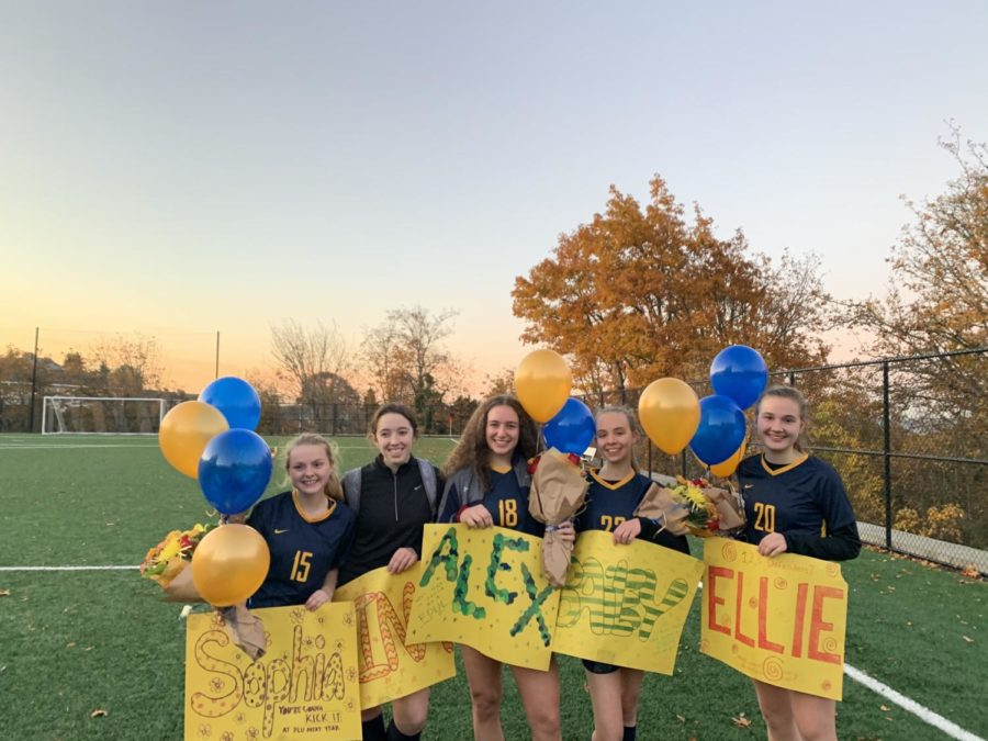 The+soccer+team+had+seven+senior+members+this+year%3A+%28from+left+to+right%29+Sophie+Jeter%2C+Nina+Doody%2C+Alexandra+Bessler%2C+Bailey+Black%2C+and+Ellie+Crist.+Reagan+Easter+and+Cora+Shandrow+are+not+pictured.+