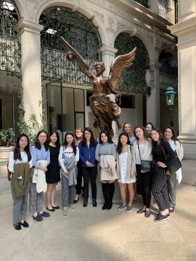 The Girls Business and Entrepreneurship Program in Mexico City with female pollster for the independent newspaper El Reforma at the center.